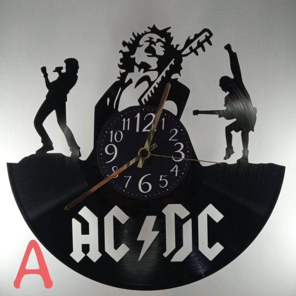Hodiny AC/DC s ciferníkom