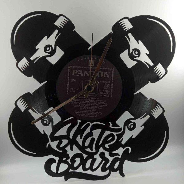 Hodiny z platne - Skateboard