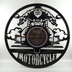 hodiny motorkár
